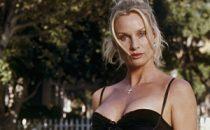 Nicollette Sheridan sgrida Britney Spears e Lindsay Lohan