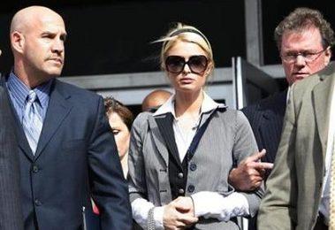"""Paris troppo esosa"", la Nbc rifiuta l'intervista. La Hilton verrà intervista da Larry King per la CNN"