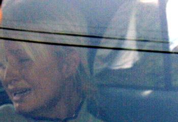 Dura poco la libertà, Paris Hilton di nuovo in carcere