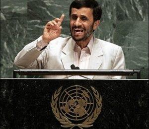 Ahmadinejad dice no a Stone per film su di lui