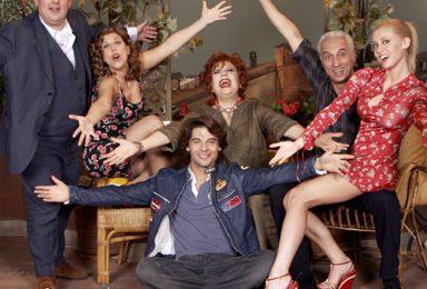 """""""7 vite"""", nuova sitcom autunnale su Rai Due"""