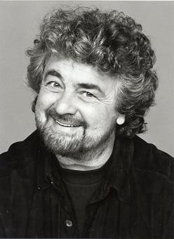 Beppe Grillo questa sera ospite ad Anno Zero?