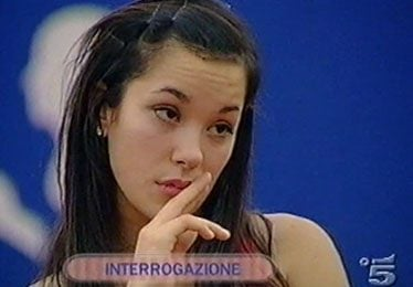 Amici: Marina resiste, Alessandra esce, le polemiche continuano