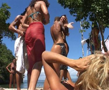 La baruffa tra Aida Yespica e Antonella Elia sull'Isola dei Famosi 2