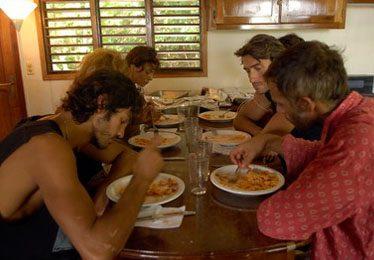 Isola dei Famosi, la Produzione sfama i naufraghi. Blogcronaca della nona puntata