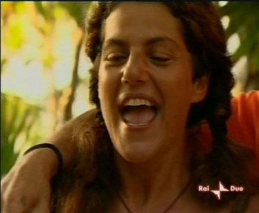 Manuela Villa si salva al televoto