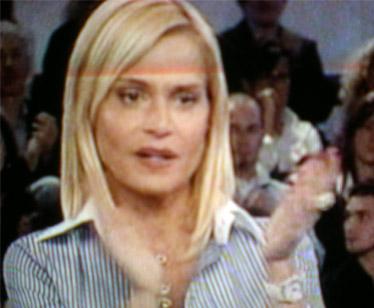 Simona Ventura saluta Karen Picozzi