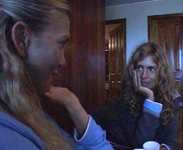 Victoria si confida con Debora