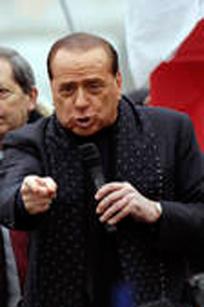Bongiorno-Berlusconi, la soap continua via posta