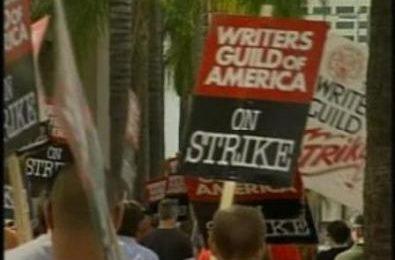 La DGA autorizza le trattative, ma gli sceneggiatori continuano a protestare