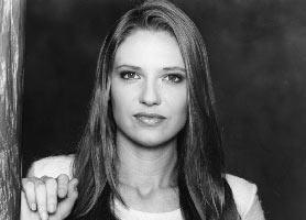 Fringe trova la sua protagonista, Anna Torv