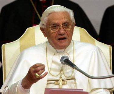 "Papa Ratzinger invita i media all""infoetica"""