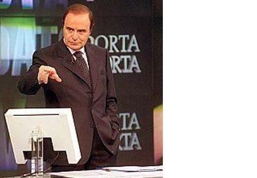 Benigni cancellato dalla crisi di governo. Al suo posto Porta a Porta