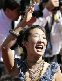 Sandra Oh parla dello sciopero degli sceneggiatori e del patto DGA – AMPTP