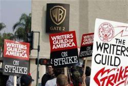 Sciopero sceneggiatori, la Warner Bros licenzia 1000 lavoratori, ma gli Oscar si faranno