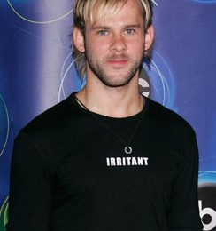 Dominic Monaghan in 'Pet' + il generatore di soprannomi by Sawyer