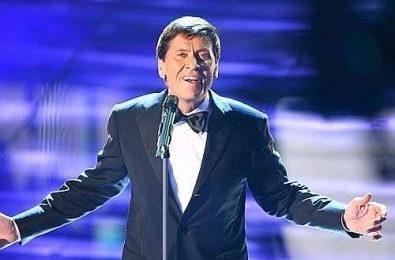 Sanremo 2008, ascolti bassi per la prima serata. Prime liti al DopoFestival