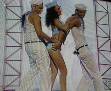 Raffaella nella prima prova di ballo