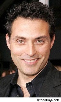 """Rufus Sewell protagonista di """"Eleventh Hour"""""""