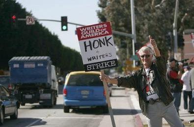 Lo sciopero degli sceneggiatori è costato 2,5 miliardi di dollari