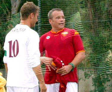 Claudio Amendola e Francesco Totti sul set de I Cesaroni