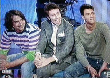 Mario Francesco e Roberto davanti alla busta