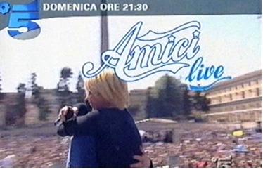 """Amici, il """"tormentone"""": domenica 27 puntata live da Cagliari in onore di Marco Carta"""