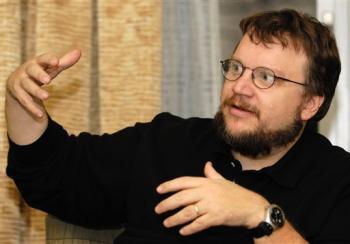 Guillermo del Toro firma per Lo Hobbit