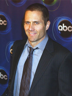 Rob Estes in 90210,  Michael Weston in Dr House, Lauren Lee Smith in CSI Las Vegas