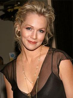 Jennie Garth nel cast di Meet the Mills, lo spinoff di Beverly Hills 90210