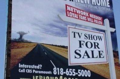 Jericho cerca casa con una campagna pubblicitaria sul Ventura Blvd