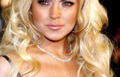 """Gossip, anello di diamanti per la """"mogliettina"""" Lindsay Lohan da parte di Samantha Ronson"""