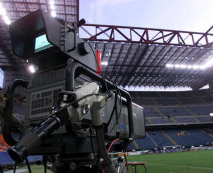 Calcio in tv: anche Mediaset contro il caro-diritti