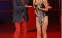 Lo spogliarello di Pamela Anderson