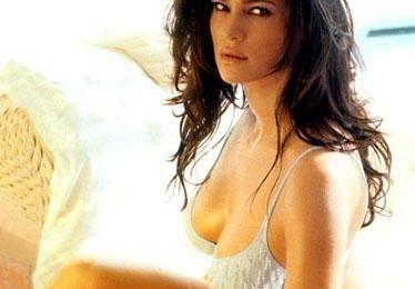 Manuela Arcuri tra le più sensuali del mondo secondo E!