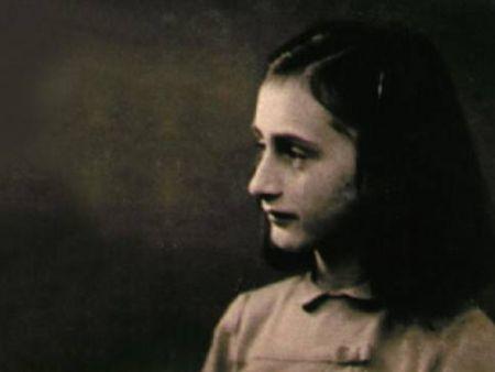 Anna Frank, il film BBC stasera su Sky Cinema 1 ed in streaming su sky.it