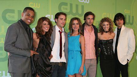 90210, parlano Jennie Garth, Shenae Grimes e Ryan Eggold