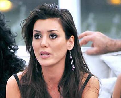 GF9: Cai dura con Daniela Martani, stasera la decisione