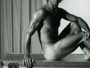 GF9, Alberto Scrivano nudo per Vanity Fair