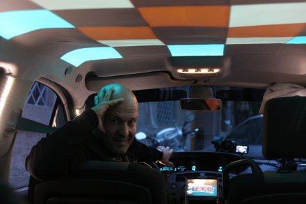 Cash Taxi: il quiz itinerante con Marco Berry su Sky