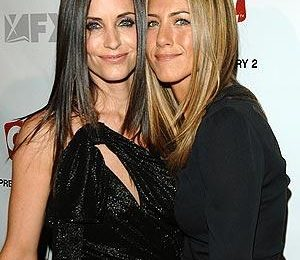 "Courtney Cox ""addolorata"" da Jennifer Aniston che rifiuta Cougar Town"