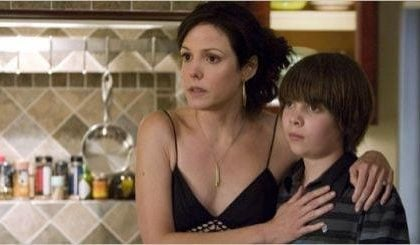 Weeds 5, arriva Jennifer Jason Leigh, ma Mary Louise Parker resta