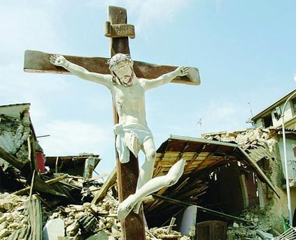 Terremoto Abruzzo, la visita del Papa in diretta tv