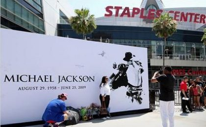 Michael Jackson, commemorazione in diretta su Italia1 e SkyTg24