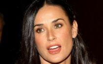 Demi Moore in The Beautiful Life, Fringe e Glee su Twitter, casting news per Mercy, 24, Tara