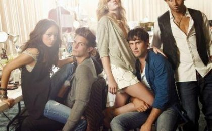 The Beautiful Life, niente censura per la Barton (né per i promo poster); crossover con Gossip Girl?