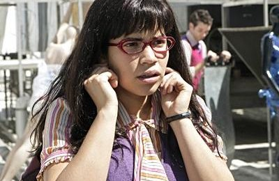 Le foto del nuovo look di Ugly Betty, Terriers, Enlightened, novità dalle serie tv Usa