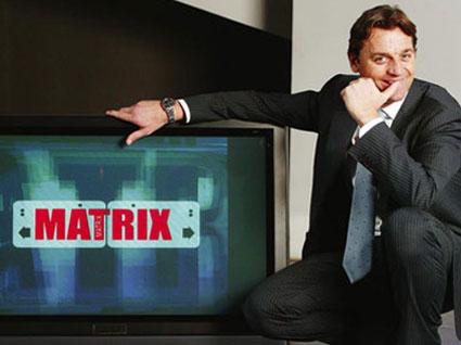Matrix (anch'esso) slitta di una settimana