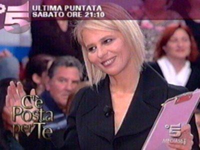 Programmi Tv stasera, oggi 21 novembre 2009: C'è posta per te, Cold Case, Affari Tuoi