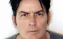 Charlie Sheen arrestato